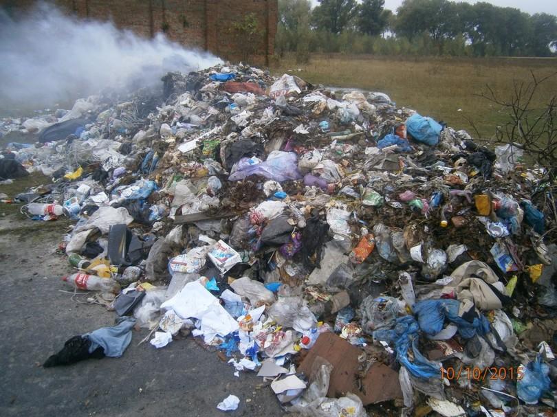 ВХмельницкой области обнаружили 20 тонн львовского мусора
