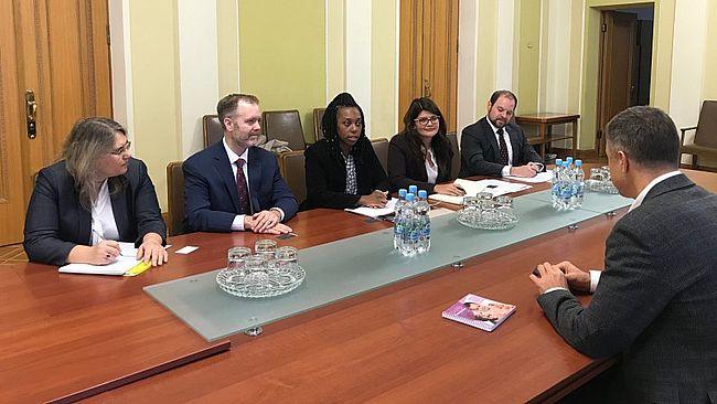 Кулеба обговорив з колегами зі США питання імплементації Конвенції про захист дітей