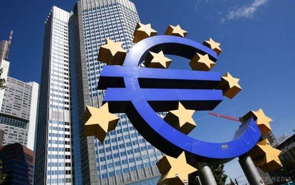 Названі терміни таумови надання Україні третього траншу ЄС