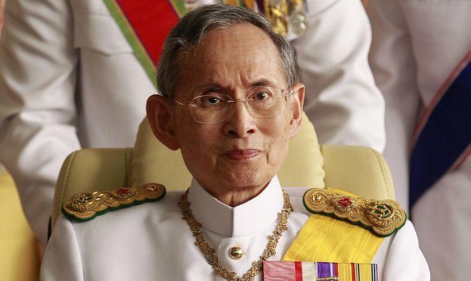 Состояние короля Таиланда резко ухудшилось