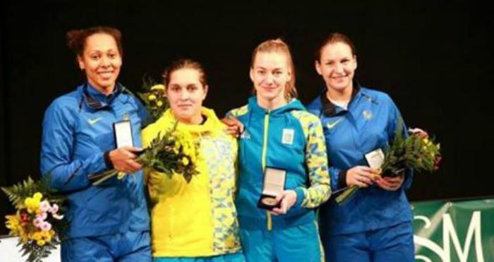 Женская сборная Украины пофехтованию завоевала «золото» наэтапе Кубка мира