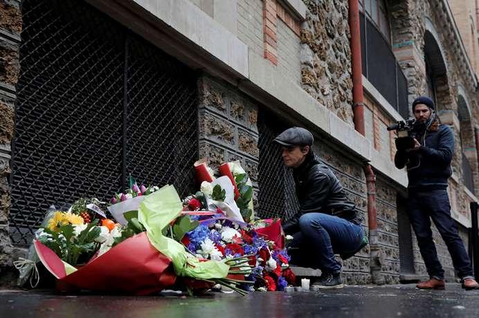 ВоФранции вспоминают жертв прошлогодних парижских терактов