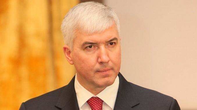 Луценко: Бывшему министру обороны объявлено подозрение