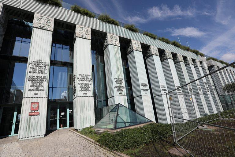 Сенат Польщі прийняв зміни, які обмежують незалежність судів