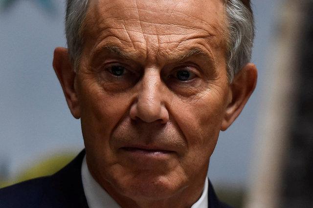 Тони Блэр объявил  освоем сочувствии Терезе Мэй