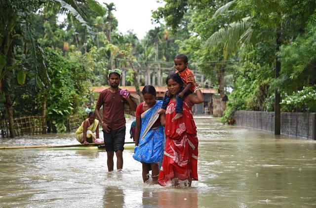 Наводнение вЮжной Азии забрало жизни неменее 700 человек
