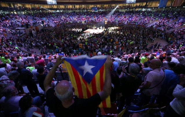 Понад 700 мерів Каталонії викликали досуду за підтримку незалежності