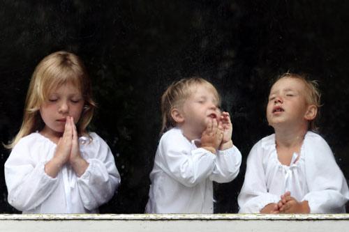 В Великобритании одобрили рождение «дизайнерских детей» от 3-х родителей