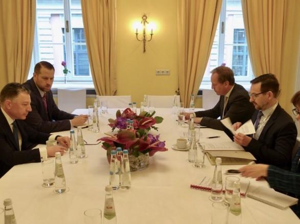 Лавров обсудил с генеральным секретарем ОБСЕ урегулирование конфликта навостоке Украинского государства