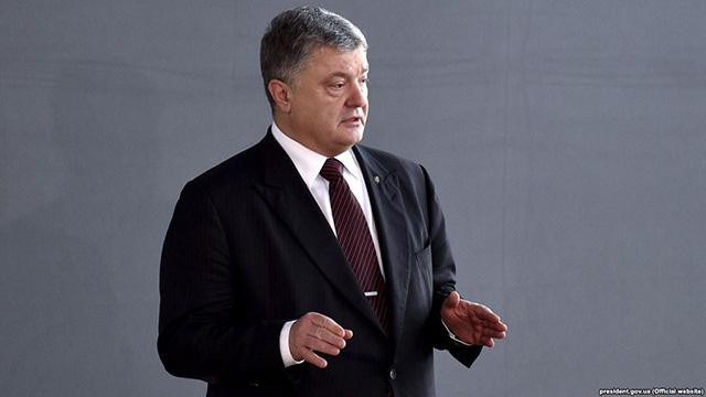 Порошенко отказался лишать гражданства жителей Крыма [ Редактировать ]