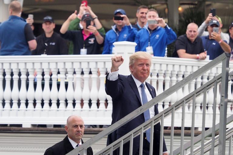 Трамп прокомментировал падение своего рейтинга доминимума за70 лет