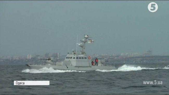 Броньовані артилерійські катери випробували вморі під Одесою