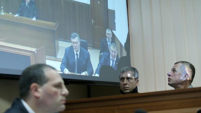 ОтЯнуковича отказался даже бесплатный юрист : «слишком сложное дело»