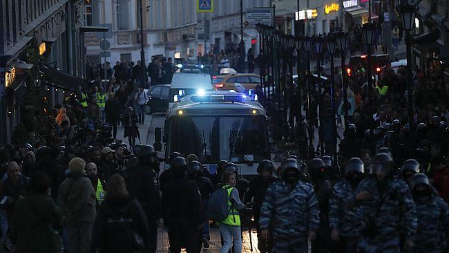 """""""Репортеры без границ"""" призвали РФ не мешать СМИ освещать протесты"""