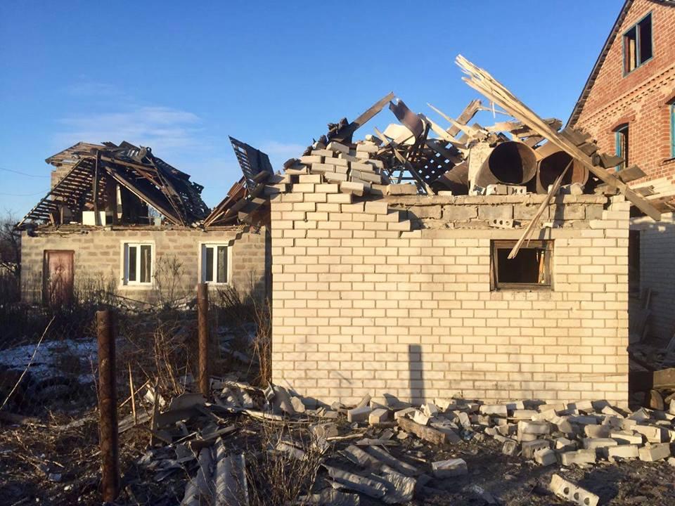 Аброськин: Боевики обстреляли Водяное, начастные дома упало неменее 100 мин