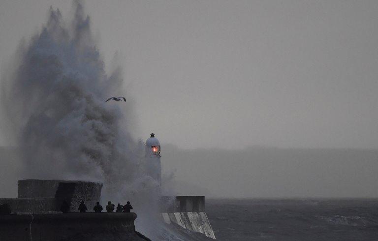 Ураган у Європі забрав життя шістьох людей