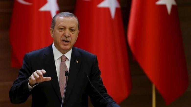 Оппозиция Турции требует пересчета 60% бюллетеней наконституционном референдуме