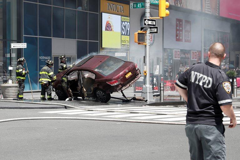 США: одна людина загинула, коли машина в'їхала уюрбу уНью-Йорку