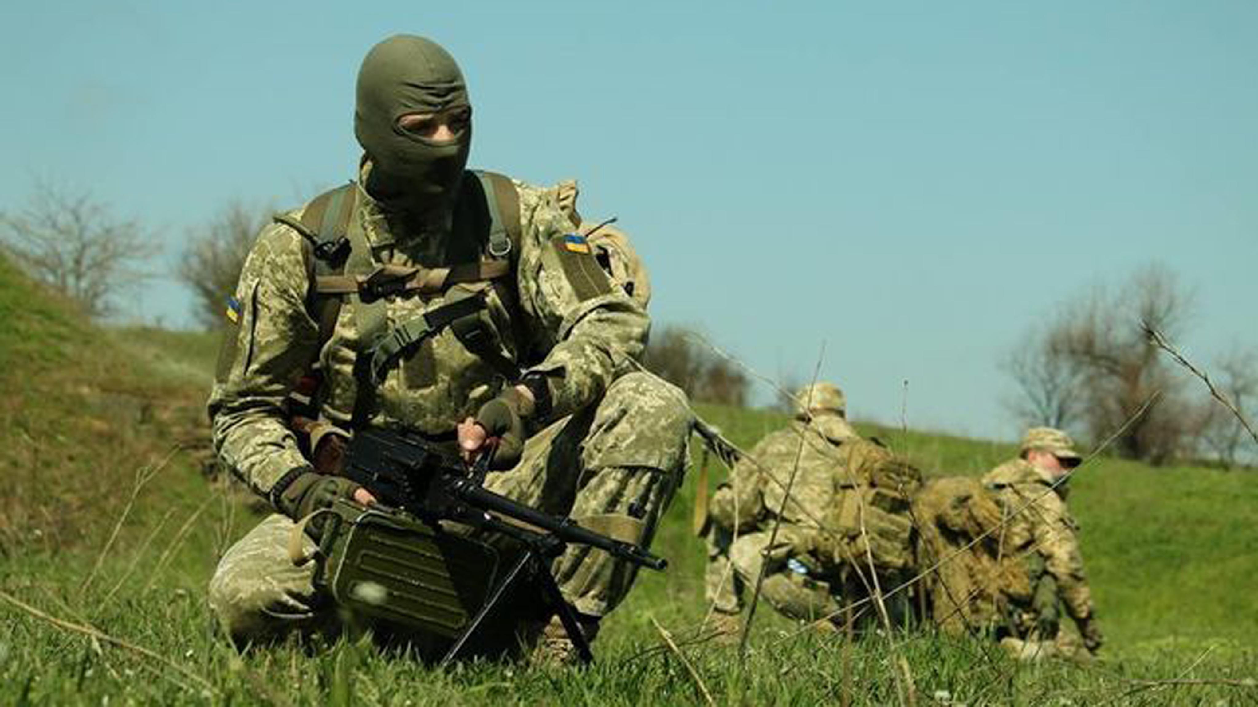Двоє поранених бійців йобстріл околиць Авдіївки. Доба взоні АТО