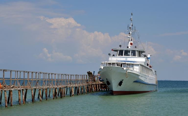 Наострове вЧерном море застряли туристы— Спасайтесь сами
