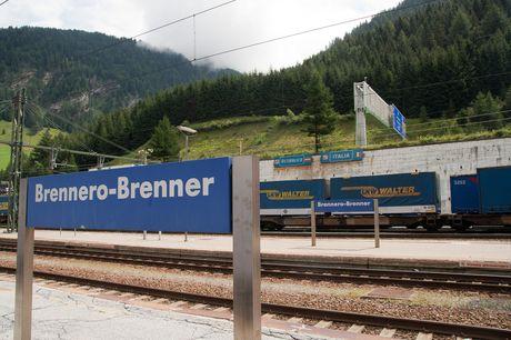 Австрийская Республика усилила контроль награнице сИталией, пресекая поток нелегалов