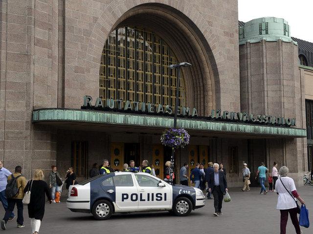 После нападения вТурку милиция увеличивает охрану аэропортов ввокзалов Финляндии
