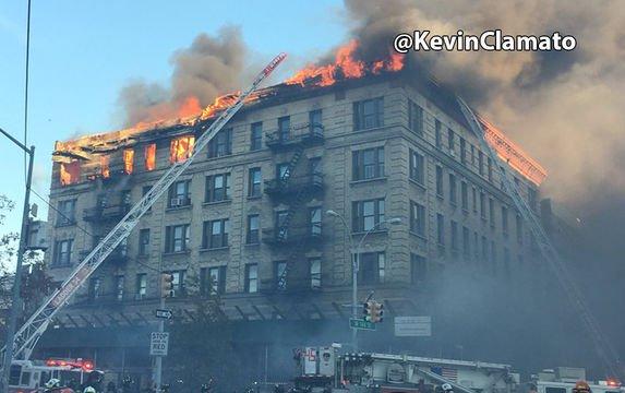 Число пострадавших впожаре  вцентре Нью-Йорка возросло  до 9-ти