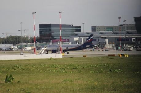 Самолет «Аэрофлота» вВаршаве настоянке задел крылом хвост другого лайнера