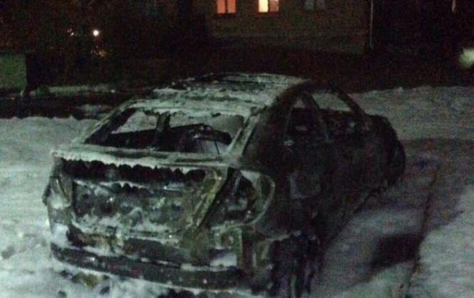 ВКиеве неизвестные сожгли авто депутата Киевсовета
