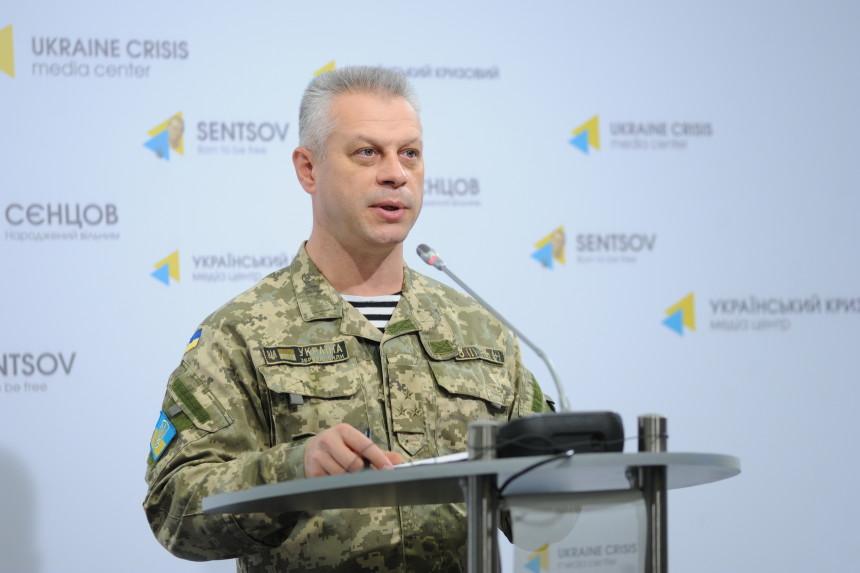 Запрошедшие сутки взоне АТО трое украинских военных получили ранения