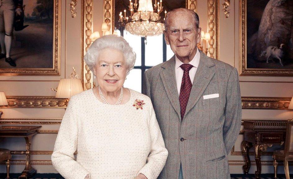 Британская королева Елизавета ипринц Филипп отмечают 70-ю годовщину свадьбы
