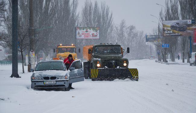 Ваэропорту «Киев» отменили больше 10-ти рейсов из-за снегопада