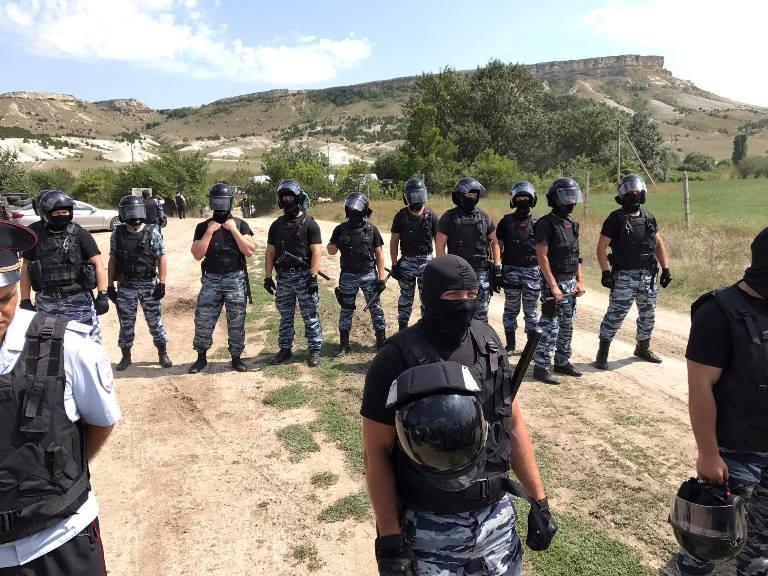 ВКрыму ФСБ заблокировала базу отдыха перед акцией крымских татар