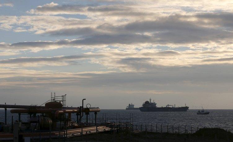 Перший за40 років танкер США знафтою прибув до Європи