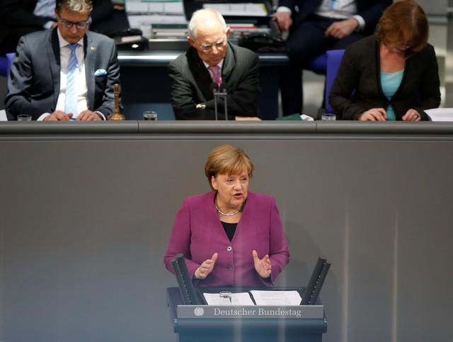 Путин, Меркель иМакрон обсудили ситуацию вВосточной Гуте