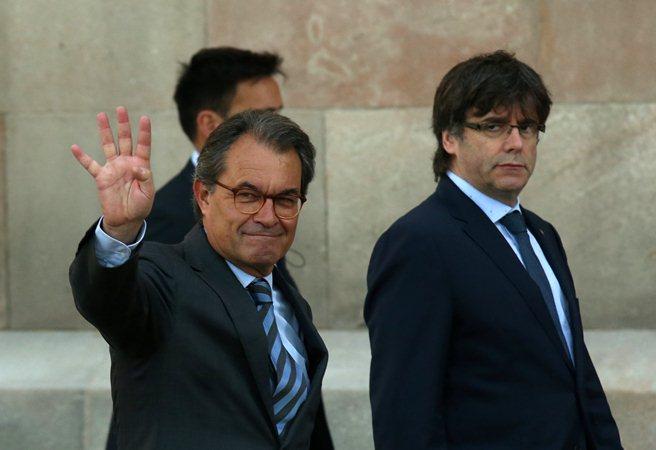 Каталонія проголосить незалежність, якщо уряд Іспанії завадить референдуму— ЗМІ