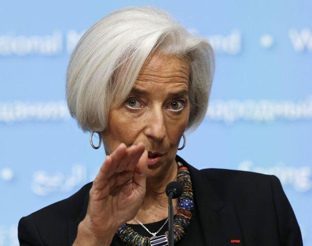 МВФ заявил, что по-прежнему ожидает «сжатия» экономики России в 2016 году