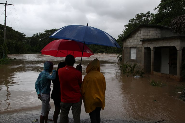 Ураган Марія знову посилився і наближається доБагамів
