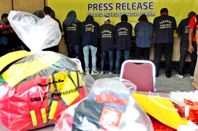 Вовремя рейда вИндонезии арестовали неменее 140 мужчин-гомосексуалов