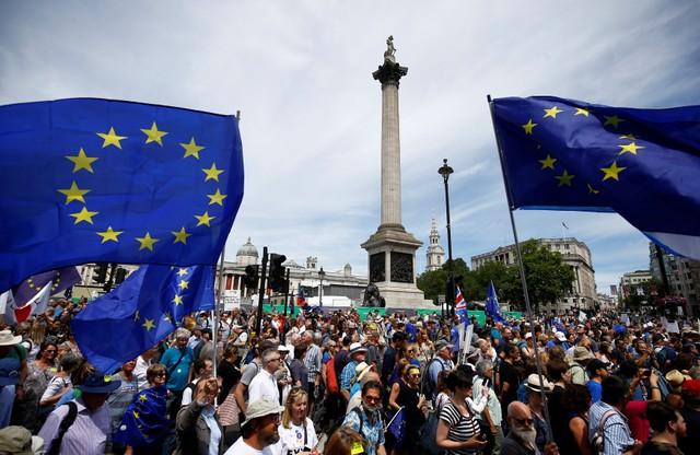 Brexit: в Лондоне десятки тысяч людей призывают к новому референдуму