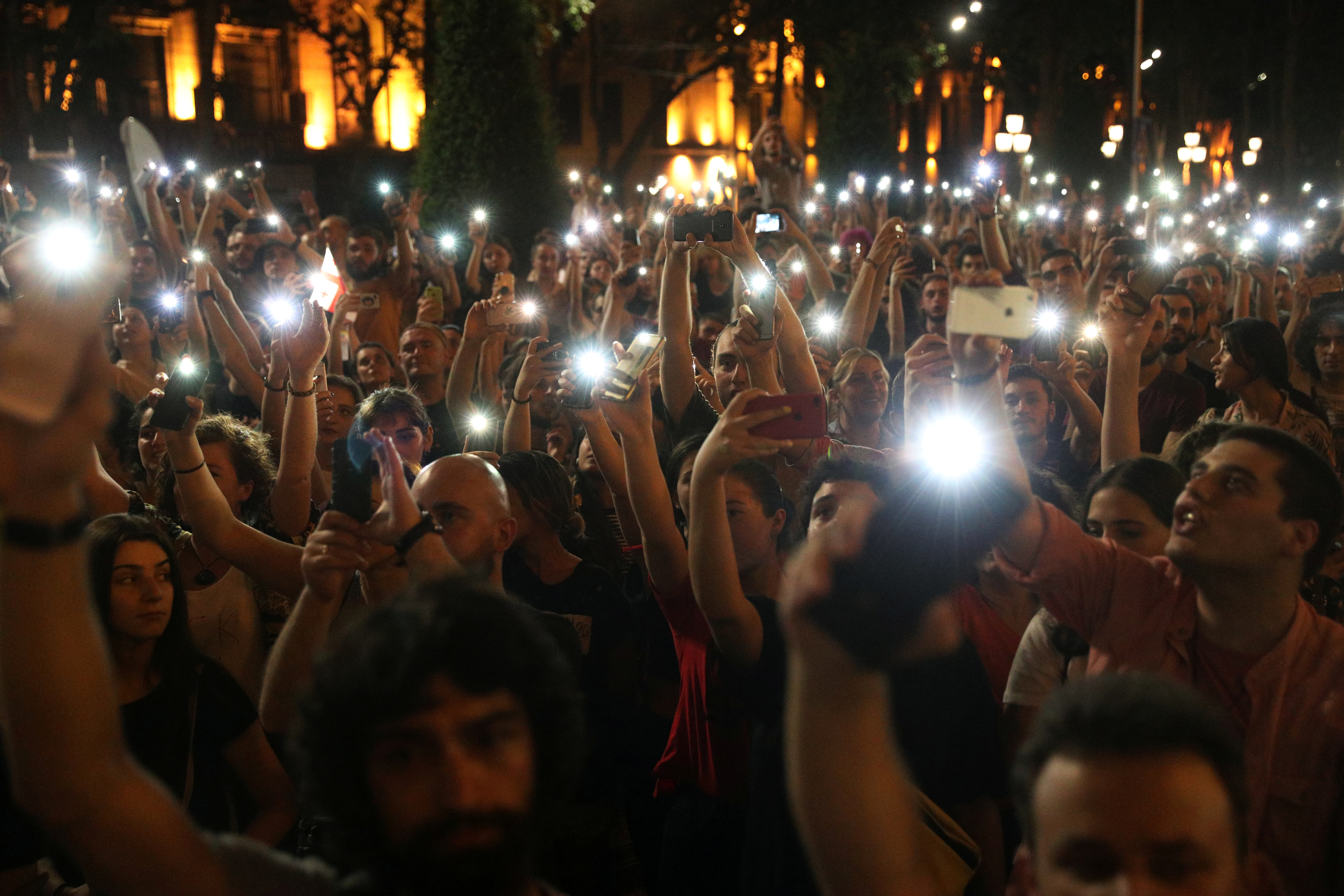 В Грузии арестовали более 120 протестующих   Korrespondent.net