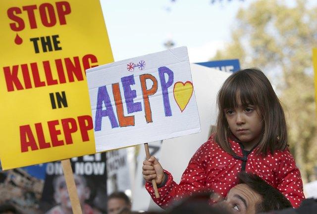 Встолице Англии прошла акция протеста против бомбардировок вАлеппо