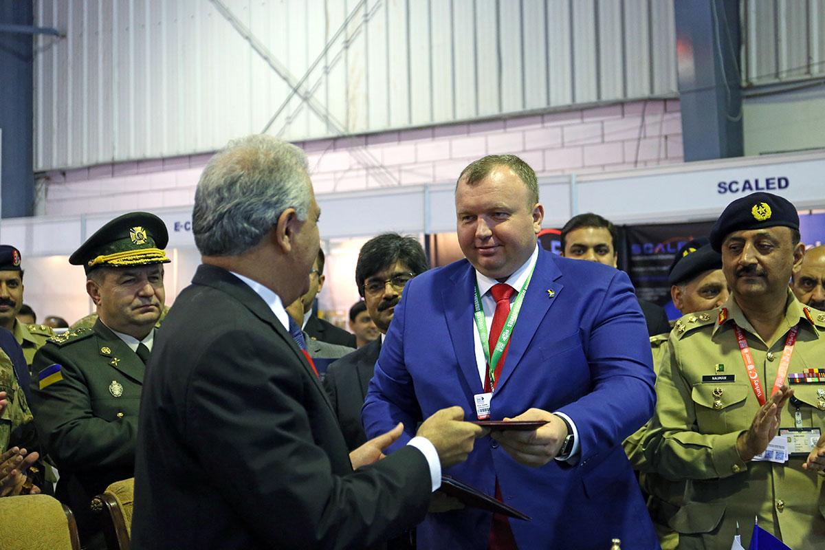 Минобороны подписало сПакистаном оружейный меморандум на $600 млн
