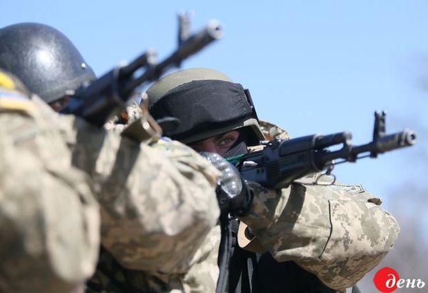 Терористи від початку неділі стріляли лише наДонецькому напрямку