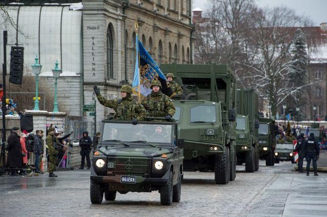 ВТаллине прошел военный парад вчесть 100-летия Эстонской Республики
