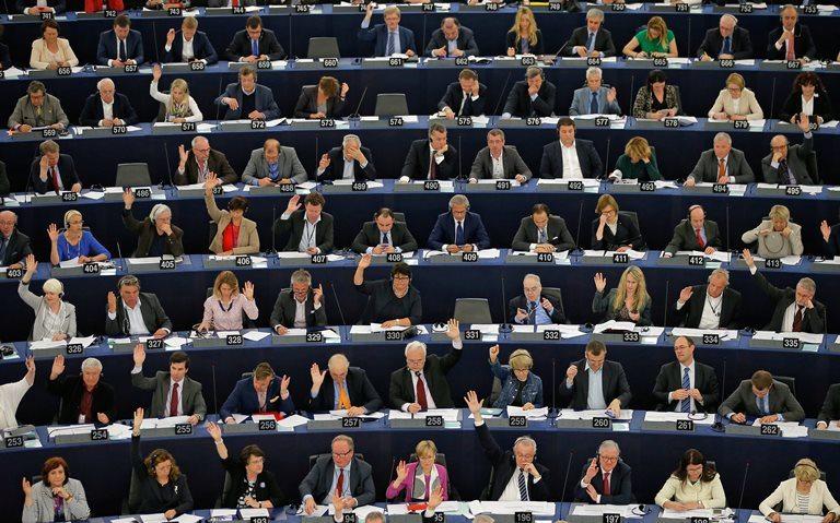 Европейская комиссия  сообщила  оготовности использовать  санкции кПольше