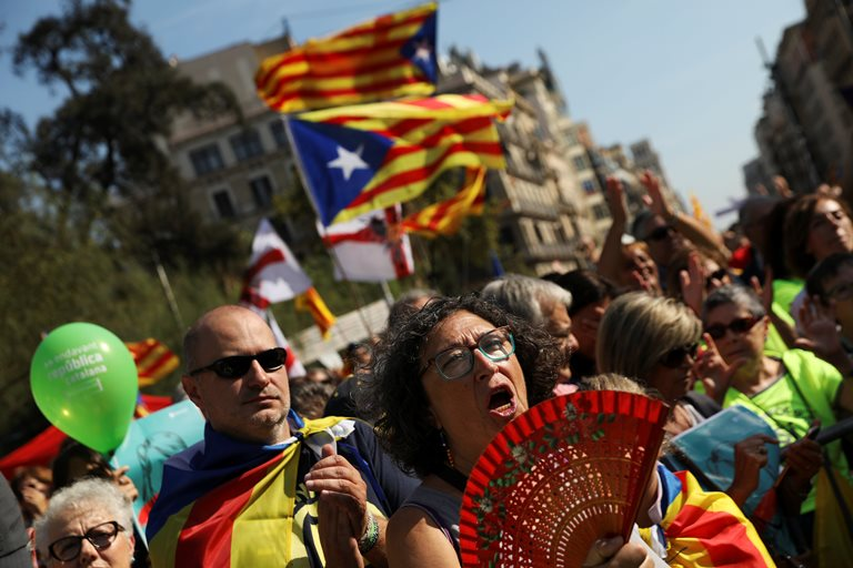 Испания увеличит количество полицейских вКаталонии для недопущения проведения референдума