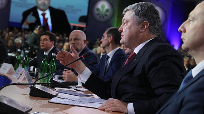 Порошенко: Дострокових виборів вУкраїні небуде, потрібно проводити реформи
