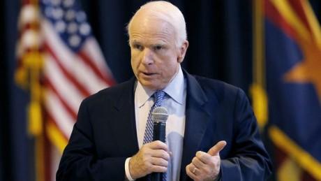 Рішення США про зброю Україні запізнилося нароки— Маккейн
