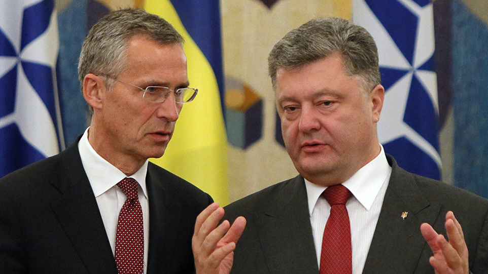 Порошенко призвал НАТО сохранять вопрос Украины наповестке дня